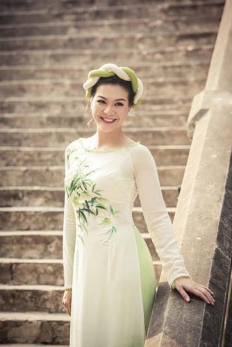 """Mãn nhãn ngắm bộ sưu tập áo dài """"Hà Nội 12 mùa hoa"""" - ảnh 2"""