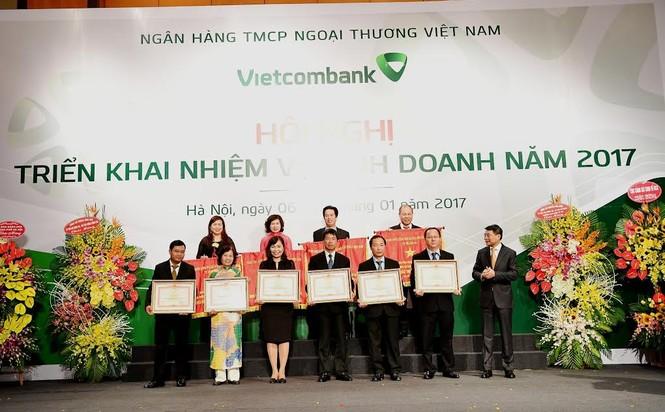 Mỗi cán bộ, nhân viên Vietcombank đang làm ra lợi nhuận tiền tỷ  - ảnh 3