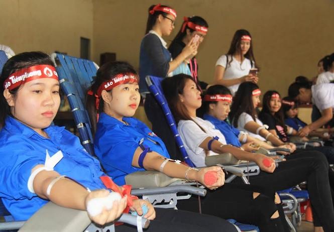 Rộn ràng hiến máu tại trường Cao đẳng Sư phạm Đắk Lắk  - ảnh 2