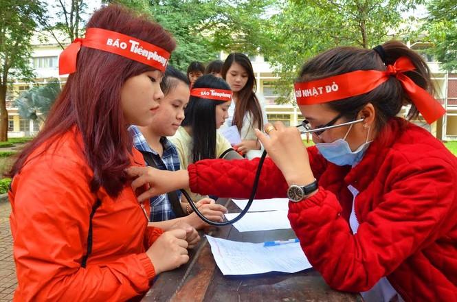 Rộn ràng hiến máu tại trường Cao đẳng Sư phạm Đắk Lắk  - ảnh 5