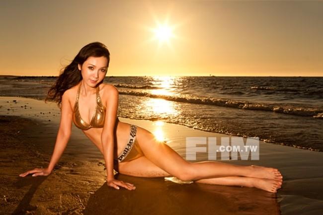 Chùm ảnh bikini nóng bỏng của diễn viên Helen Thanh Đào - ảnh 7
