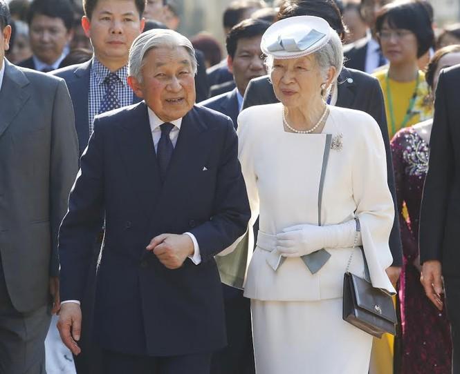 Hậu duệ cụ Phan Bội Châu đón Nhà vua Nhật Bản ở Huế - ảnh 1