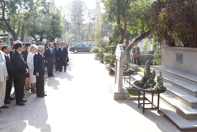 Hậu duệ cụ Phan Bội Châu đón Nhà vua Nhật Bản ở Huế - ảnh 2