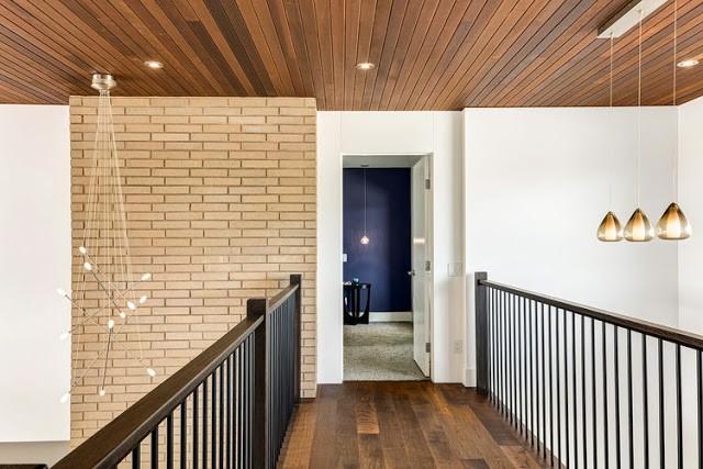 Nhà 2 tầng tiện nghi cho gia đình 3 thế hệ - ảnh 6