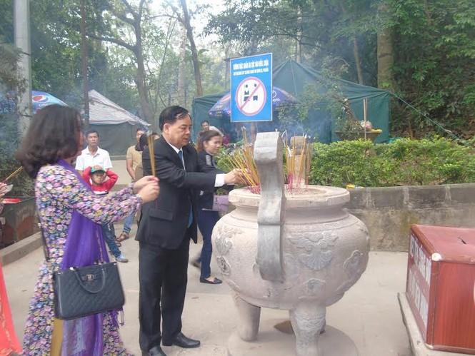Dâng hương tưởng niệm các Vua Hùng - ảnh 7