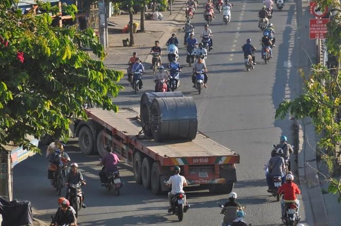 """Bất an với những """"hung thần"""" trên phố Sài Gòn - ảnh 13"""
