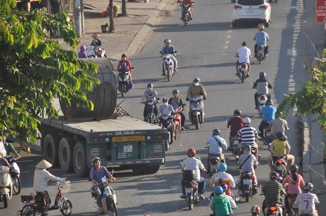 """Bất an với những """"hung thần"""" trên phố Sài Gòn - ảnh 14"""