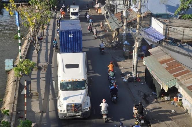 """Bất an với những """"hung thần"""" trên phố Sài Gòn - ảnh 3"""