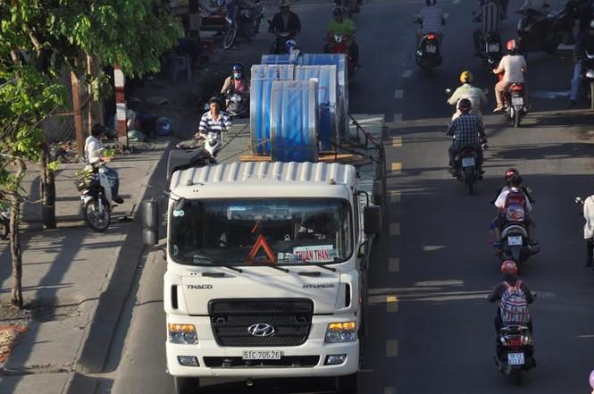 """Bất an với những """"hung thần"""" trên phố Sài Gòn - ảnh 4"""