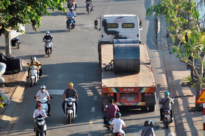 """Bất an với những """"hung thần"""" trên phố Sài Gòn - ảnh 7"""