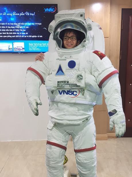 Học sinh Hà Nội hào hứng với ngày khám phá vũ trụ - ảnh 3