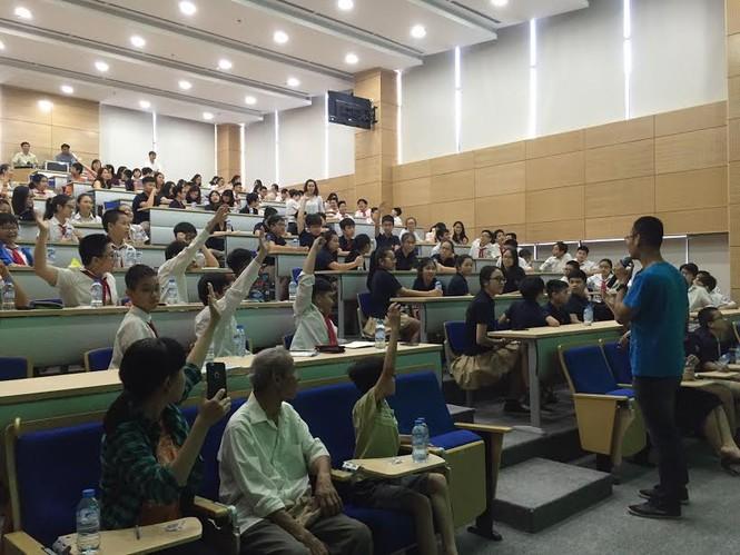 Học sinh Hà Nội hào hứng với ngày khám phá vũ trụ - ảnh 4