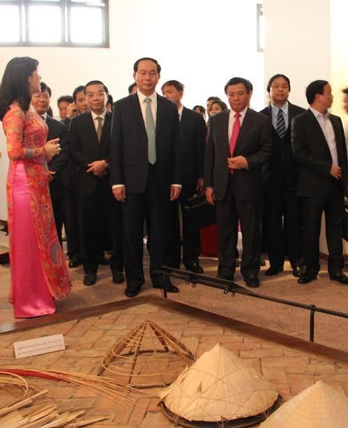 Bảo tàng Dân tộc học Việt Nam là điểm tham quan du lịch hàng đầu - ảnh 1