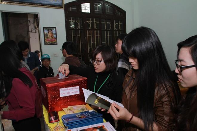 Quán ăn trả tiền tùy tâm, tặng sách Phật ở Hà Nội - ảnh 1