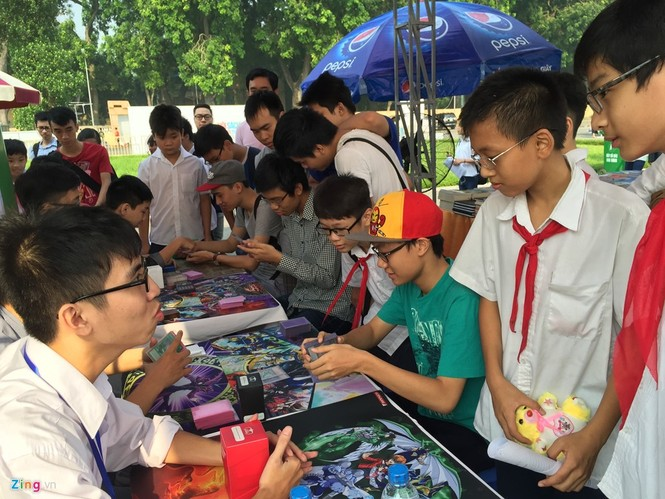 Giới trẻ Hà Nội chi tiền triệu mua bài magic - ảnh 2