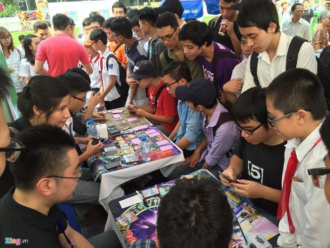 Giới trẻ Hà Nội chi tiền triệu mua bài magic - ảnh 3