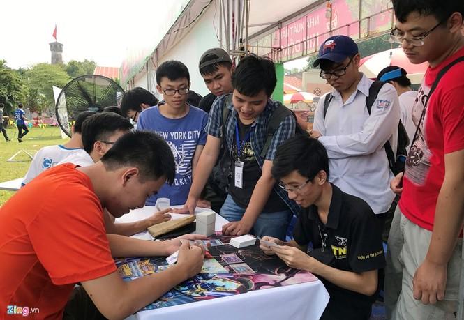 Giới trẻ Hà Nội chi tiền triệu mua bài magic - ảnh 5