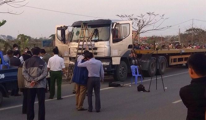 Người đàn ông tử vong ở ca bin xe tải nghi bị cướp giết - ảnh 1