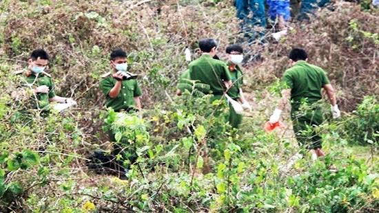 Phát hiện bông tai nạn nhân bị chặt xác tại nhà nghi can - ảnh 3