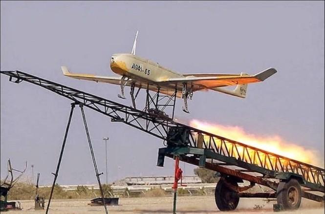 Quân đội Iran ào ào tấn công mục tiêu - ảnh 18