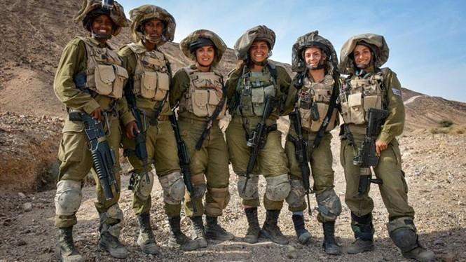Nữ binh sĩ Israel và vẻ đẹp của bóng hồng trong lửa đạn - ảnh 1