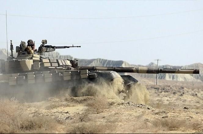Quân đội Iran ào ào tấn công mục tiêu - ảnh 2
