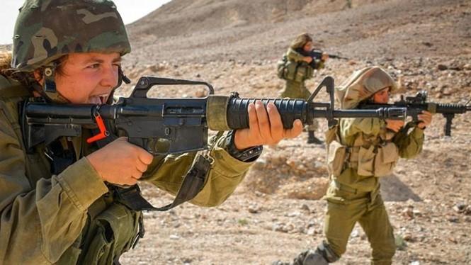 Nữ binh sĩ Israel và vẻ đẹp của bóng hồng trong lửa đạn - ảnh 2