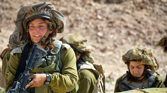 Nữ binh sĩ Israel và vẻ đẹp của bóng hồng trong lửa đạn - ảnh 3