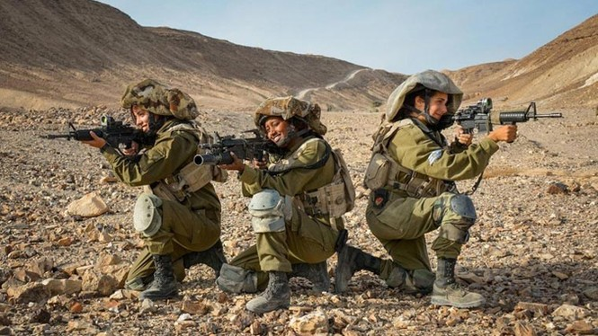 Nữ binh sĩ Israel và vẻ đẹp của bóng hồng trong lửa đạn - ảnh 4