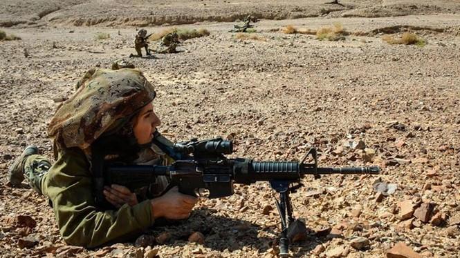 Nữ binh sĩ Israel và vẻ đẹp của bóng hồng trong lửa đạn - ảnh 6