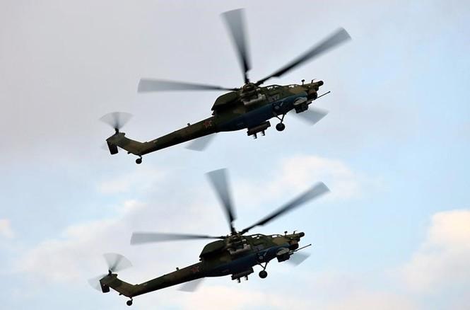 Tận thấy Không quân Nga phô diễn sức mạnh ở Crimea - ảnh 6