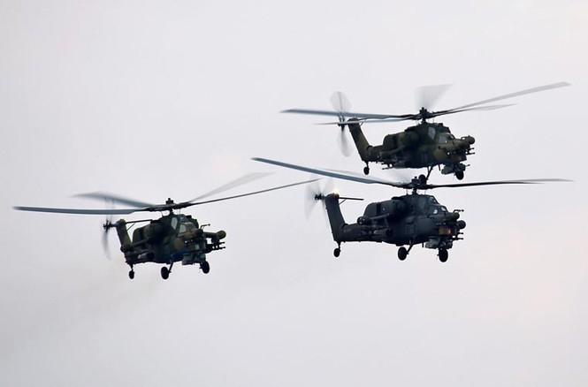 Tận thấy Không quân Nga phô diễn sức mạnh ở Crimea - ảnh 7