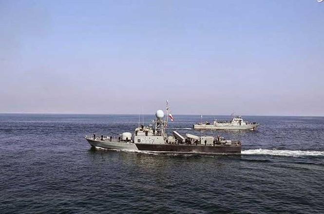 Tập trận trên biển, Hải quân Iran khoe tàu ngầm, chiến hạm - ảnh 9