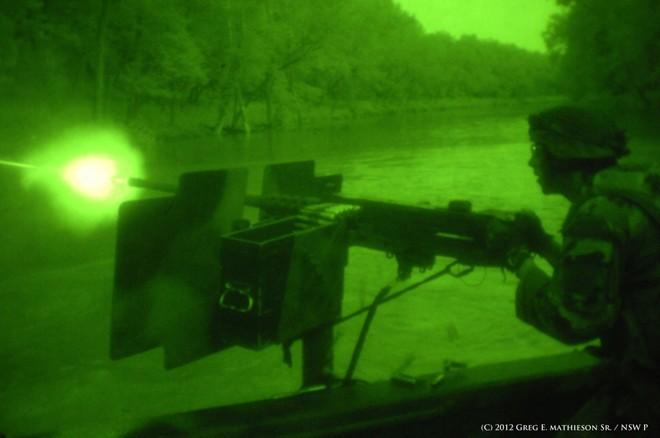 Vén màn bí mật về đội biệt kích SEAL - ảnh 13