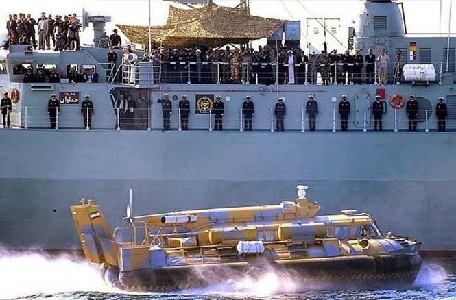 Tập trận trên biển, Hải quân Iran khoe tàu ngầm, chiến hạm - ảnh 14