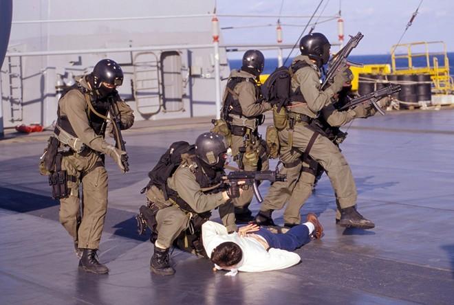 Vén màn bí mật về đội biệt kích SEAL - ảnh 7