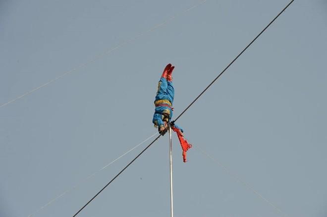 Sống ba ngày trên dây ở độ cao 50 m - ảnh 7