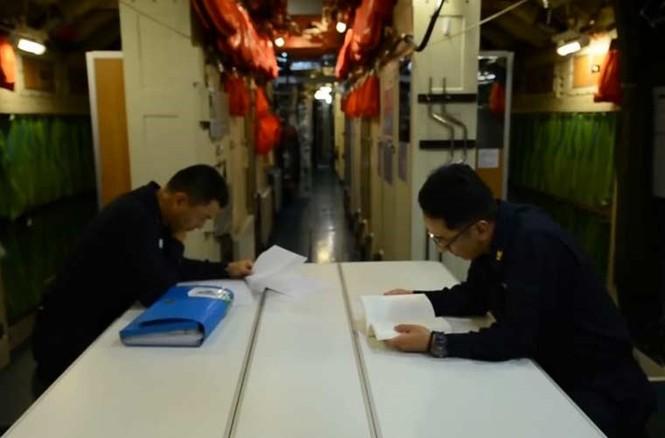 'Đột nhập' bên trong siêu tàu ngầm Hàn Quốc - ảnh 10