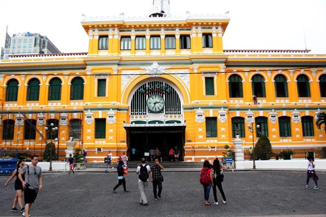 Tòa nhà 130 tuổi ở Sài Gòn thay 'áo mới' - ảnh 10