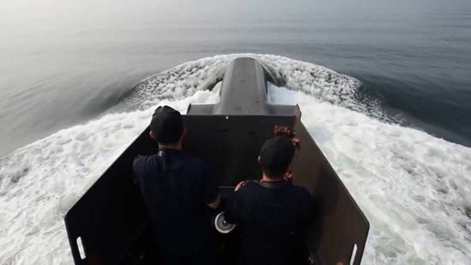 'Đột nhập' bên trong siêu tàu ngầm Hàn Quốc - ảnh 1