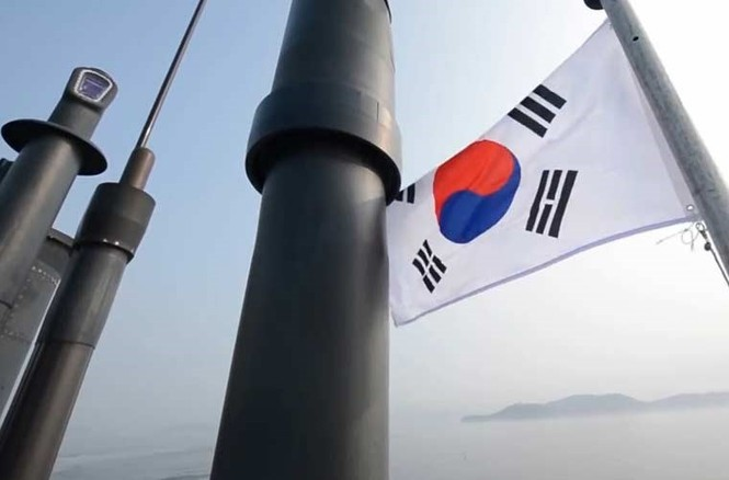 'Đột nhập' bên trong siêu tàu ngầm Hàn Quốc - ảnh 2