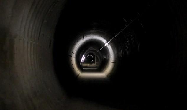 Khám phá mê cung đường hầm nghi sản xuất vũ khí hạt nhân - ảnh 1