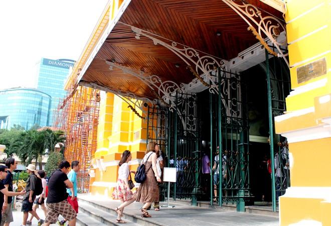 Tòa nhà 130 tuổi ở Sài Gòn thay 'áo mới' - ảnh 5