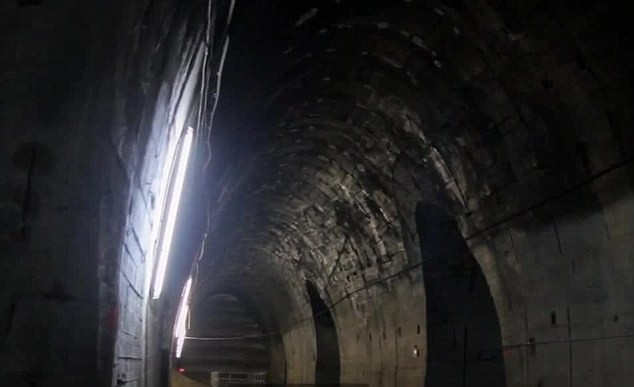 Khám phá mê cung đường hầm nghi sản xuất vũ khí hạt nhân - ảnh 5