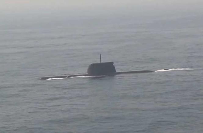'Đột nhập' bên trong siêu tàu ngầm Hàn Quốc - ảnh 7