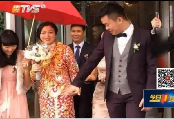 Cô dâu đeo 5kg vàng trong ngày cưới - ảnh 2