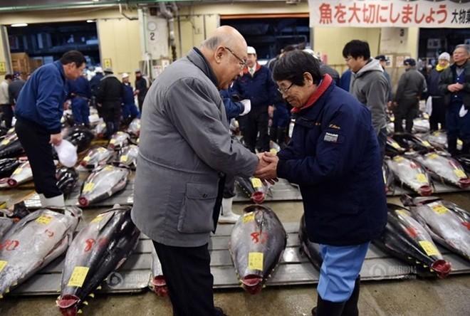 Con cá ngừ 180kg trúng đấu giá 750 triệu đồng - ảnh 6