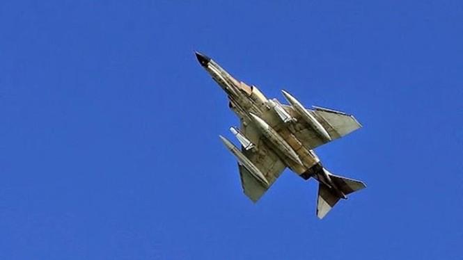 Phô trương sức mạnh, Iran phóng tên lửa ào ạt trên biển - ảnh 9