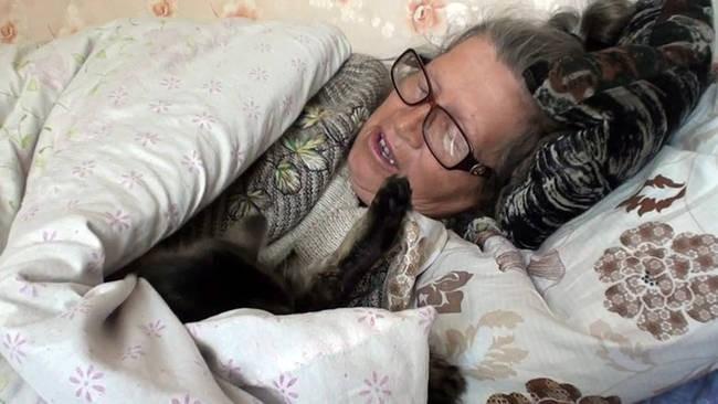 """Lạ kỳ ngôi làng ngủ """"bất thình lình"""" ở Kazakhstan - ảnh 1"""