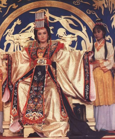 Trang phục của Võ Tắc Thiên trong các phim nổi tiếng - ảnh 3